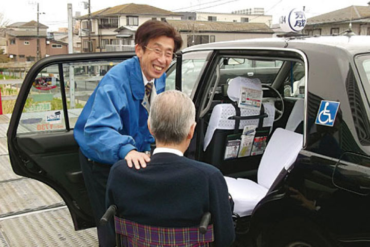 ケアドライバー(介護輸送+一般タクシー)